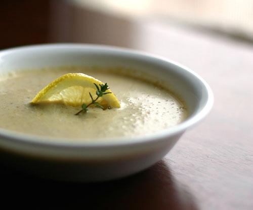 creamy-cauliflower-and-artichoke-soup
